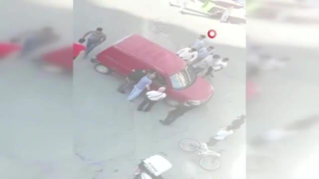 Bisikletli çocuğa çarpmaktan son anda kurtuldu ama saldırıdan kurtulamadı