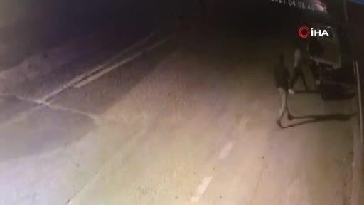 Bursa'da motosiklet hırsızlığı kameraya yansıdı!