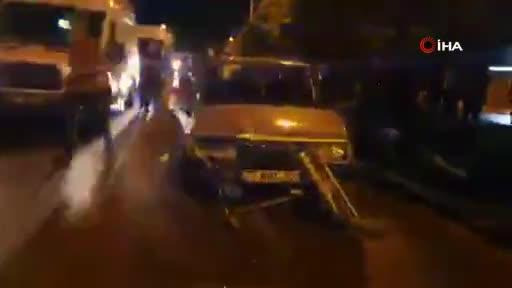 Bursa'da yolun karşısına geçmek isteyen anne ve çocuğuna araba çarptı