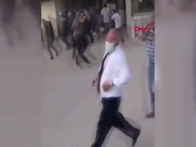 Ezik şeftali kavgası! Polis durdurmak için havaya ateş açtı