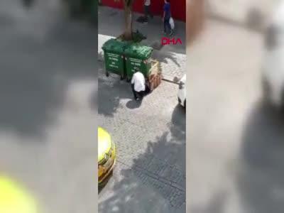 İstanbul Fatih'te sokak ortasında kadına şiddet!