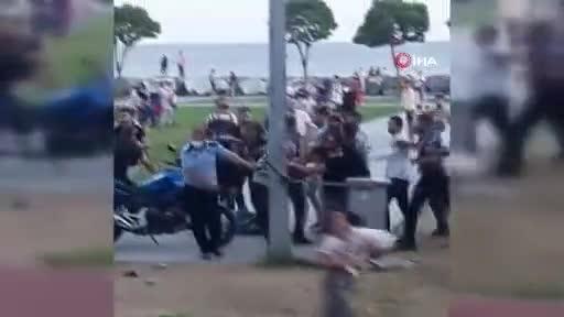 İstanbul sahilinde sözlü tartışma taşlı sopalı kavgaya döndü