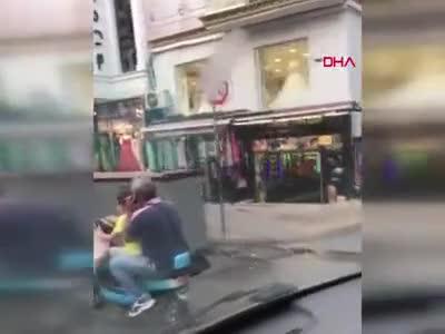 İstanbul'da akılalmaz görüntü! Trafiği hiçe saydılar