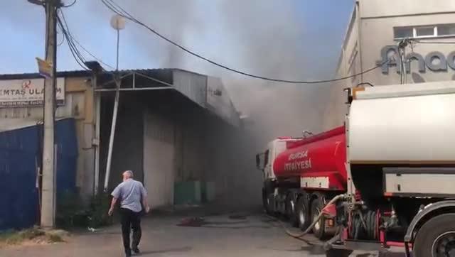 Bursa Küçükbalıklı'da tekstil atölyesinde yangın! - 2