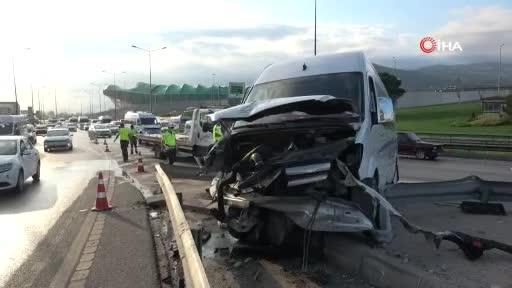 Bursa'da kaza yapan servis minibüsünde 6 işçi yaralandı!