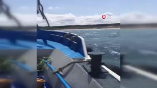 İstanbul'da karaya oturmak üzere olan motor kurtarıldı