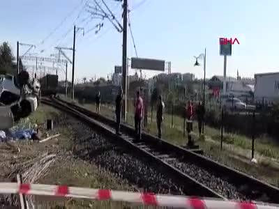 Tekirdağ'da korkunç kaza! Tren minibüse çarptı: 4 ölü