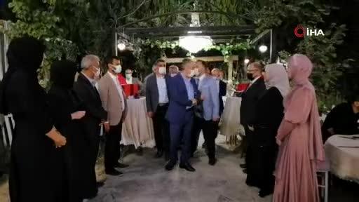 Bursa Büyükşehir Belediye Başkanı Aktaş, 11 yıl önce 23 Nisan'da koltuğuna oturan gencin nikahını kıydı