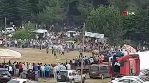 Bursa'da düzenlenen boğa güreşleri İspanya arenalarını aratmadı