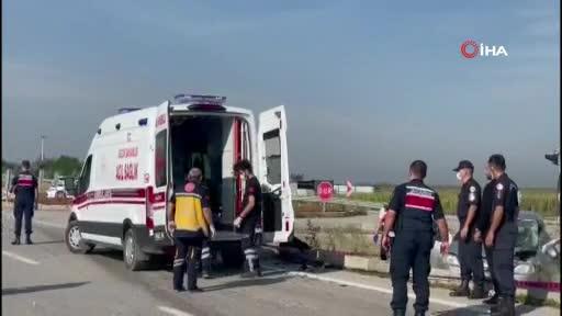 Bursa'da hafif ticari araçla çarpışan otomobilin sürücüsü hayatını kaybetti