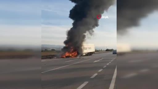Bursa'da tır alev alev yandı!