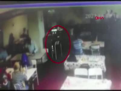 İstanbul Sultanbeyli'de kadın arkadaşının cep telefonunu alarak 64 bin liralık kredi çekti
