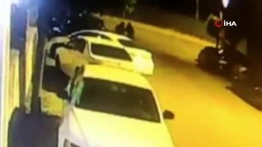 İstanbul'da şaşkına çeviren soygun! Oyuncak tabancayla soygun yaptılar